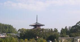 秋空の下の法輪寺三重塔
